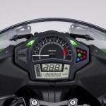 2014-kawasaki-ninja-400-sportsbike-instrument-console