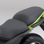 2014-kawasaki-ninja-400-sportsbike-seat