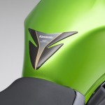 2014-kawasaki-ninja-400-sportsbike-tank