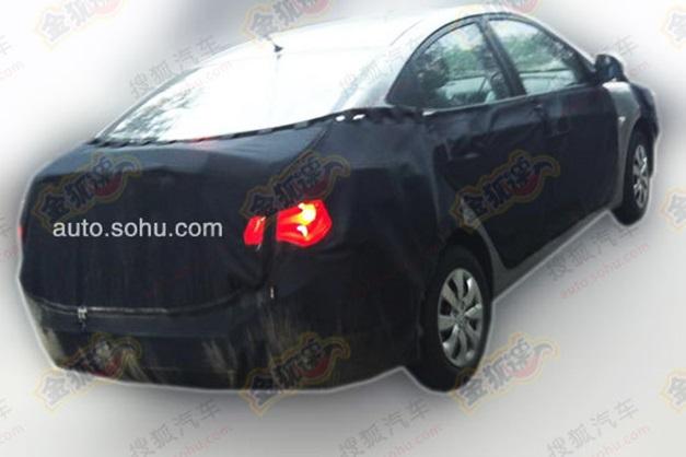 2015-Hyundai-Verna-facelift-rear-end