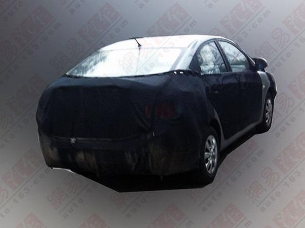 2015-Hyundai-Verna-facelift-rear-view