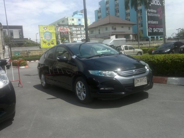 Honda-Insight-sedan-India-Front-View
