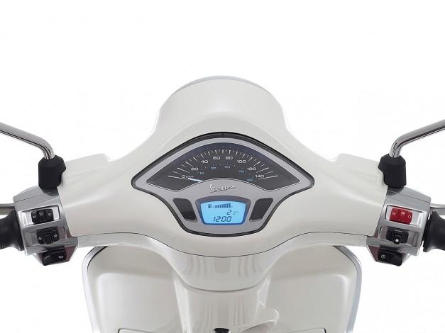 New-Piaggio-Vespa-Primavera-India-Instrument-Console