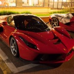ferrari-laferrari-flexes-963hp-muscle-on-highway-while-audi-r8-v10-plus-follows-007