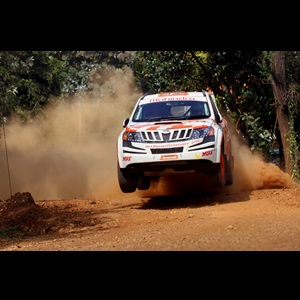 win-for-team-mahindra-adventure-at-the-indian-national-rally-championship-2013
