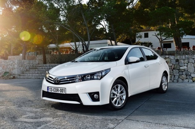 2014-Toyota-Corolla-Altis-India