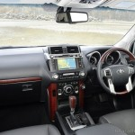 2014-toyota-land-cruiser-prado-facelift-dashboard-india