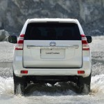 2014-toyota-land-cruiser-prado-facelift-rear-end-india