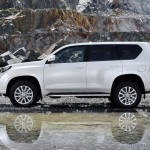 2014-toyota-land-cruiser-prado-facelift-side-view-india