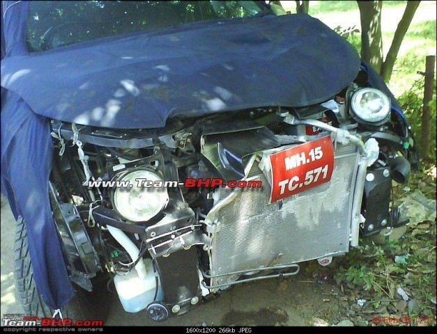 mahindra-xuv500-w201-world-suv-crash-accident-front-view