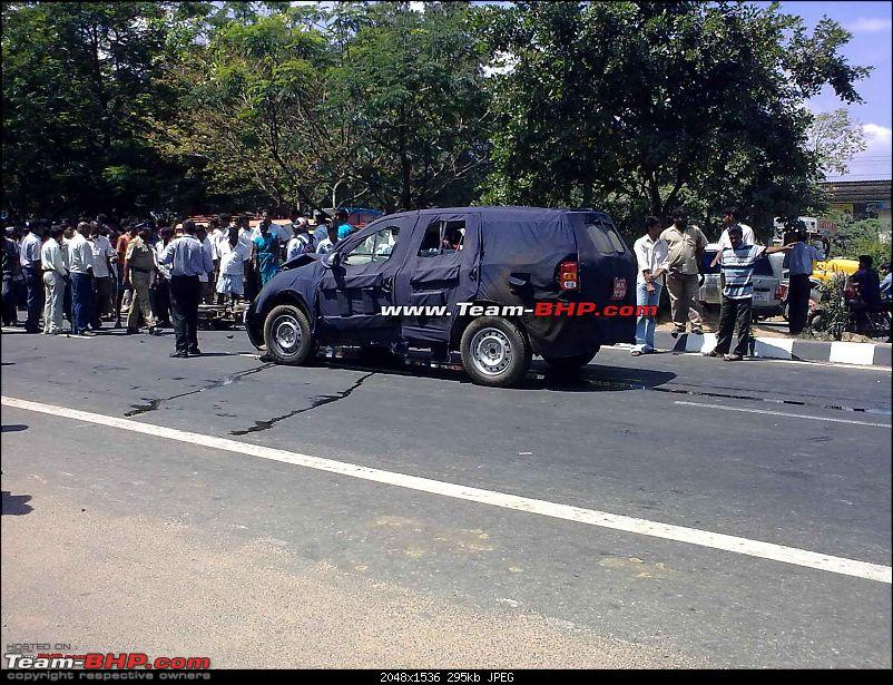 Mahindra Xuv500 W201 World Suv Crash Accident Side View