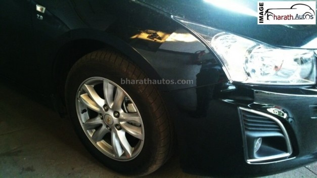 new-2014-chevrolet-cruze-black-india-alloy-wheels