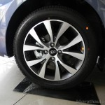 new-2014-hyundai-verna-india-front-alloy-wheels