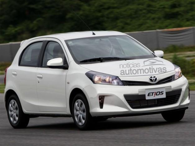 new-2014-toyota-etios-liva-facelift-india-front-view