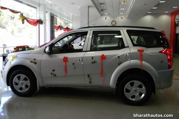 new-mahindra-xuv500-w4-india