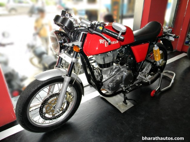 royal-enfield-continental-gt535-cafe-racer-bangalore-front-view