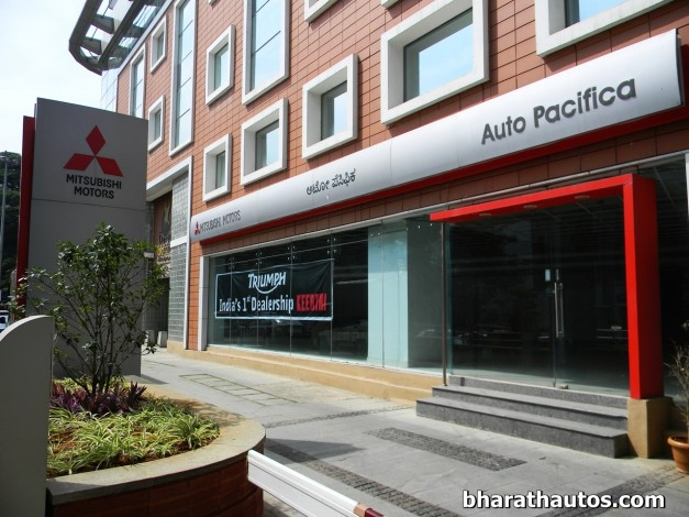 triumph-motorcycle-first-India-showroom-bengaluru-dealership-bangalore