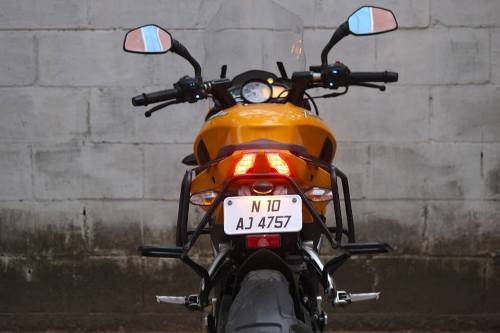 bajaj-pulsar-200ns-touring-accessories-rear