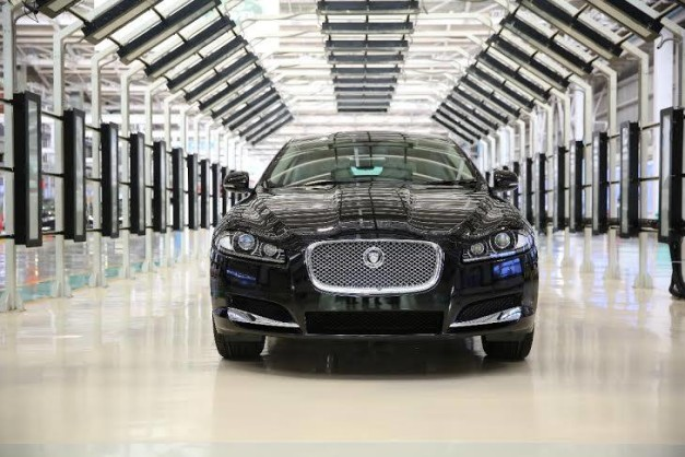 jaguar-xf-2.0-litre-petrol-luxury-sedan-india
