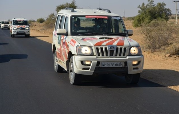 mahindra-adventure-royal-escape-2013-rajasthan-front