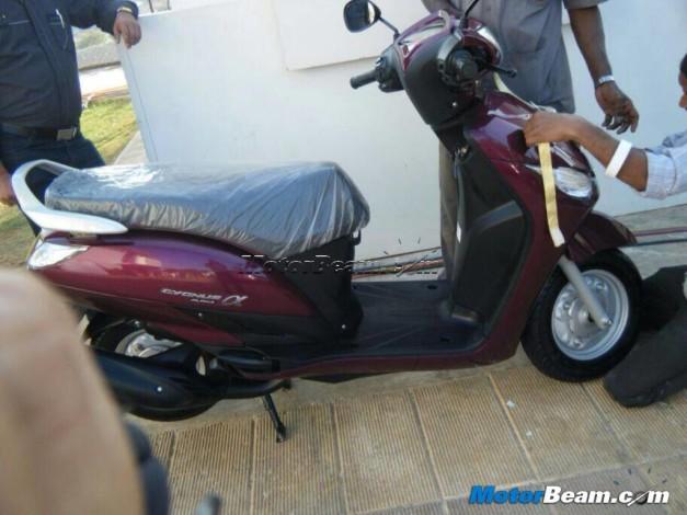 new-Yamaha-cygnus-alpha-scooter-2014