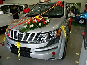 new-mahindra-xuv500-w4-india