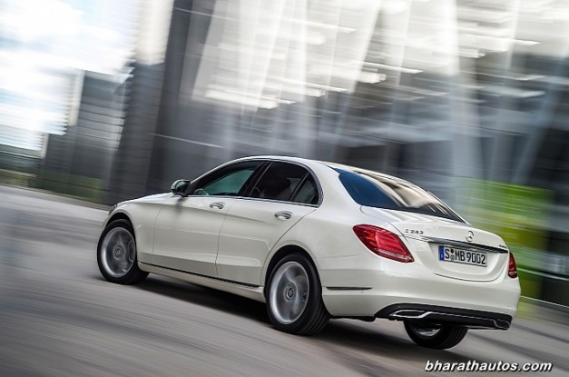 new-mercedes-benz-c_class-2015-india-rear-view