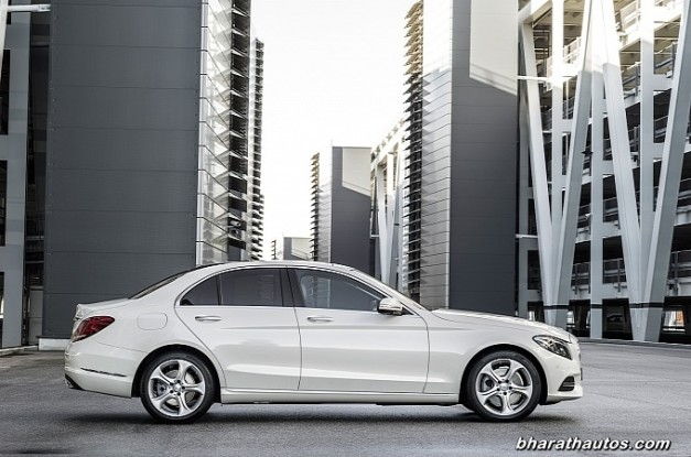 new-mercedes-benz-c_class-2015-india-side-view