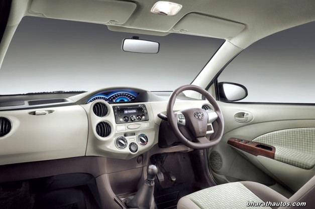 new-toyota-etios-liva-2014-interior-view