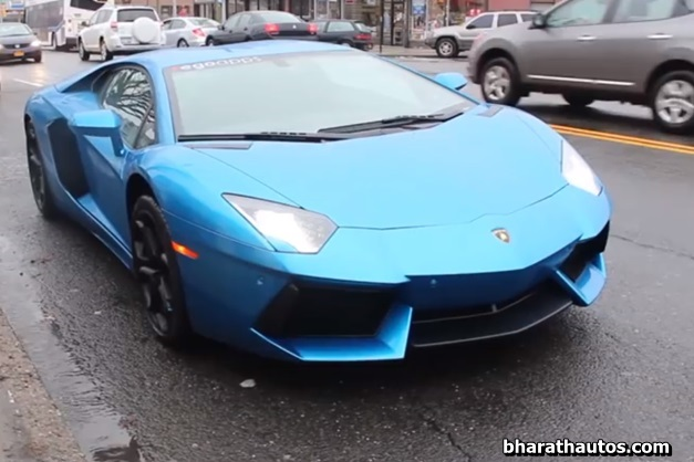 17-year-old-girl-surprise-high-school-ride-lamborghini-aventador