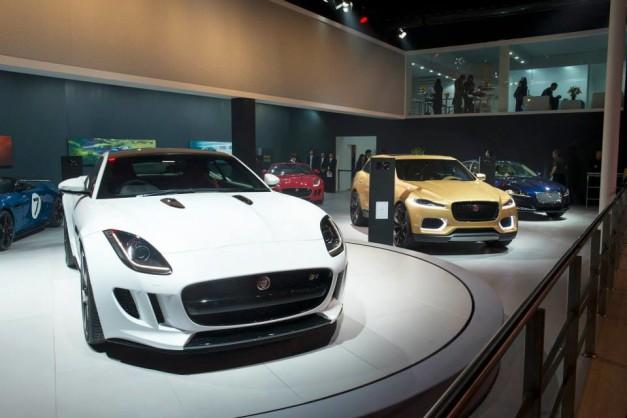 2014-auto-expo-jaguar-stall
