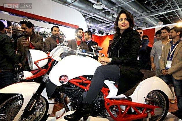2014-auto-expo-sameera-reddy-vardenchi-motorcycles