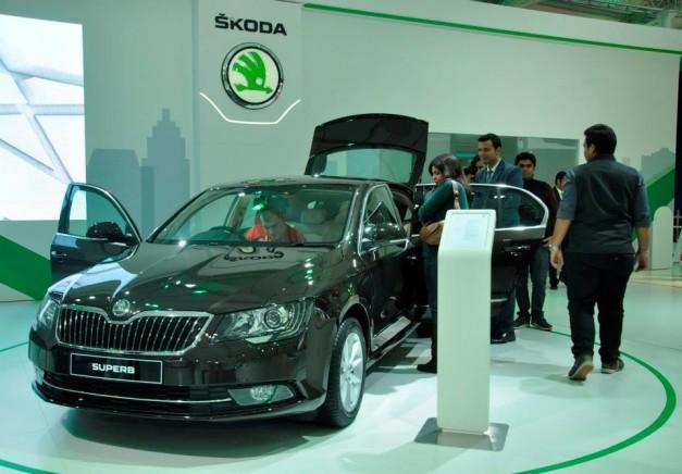 2014-auto-expo-skoda-superb-sedan-facelift