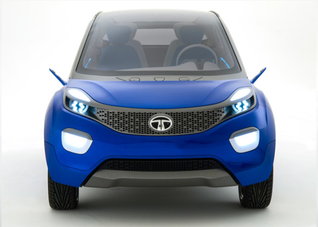 2014-auto-expo-tata-nexon-compact-suv