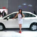 2014-auto-expo-the-babe-girl-022