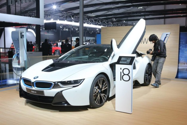 bmw-i8-sportscar-2014-auto-expo