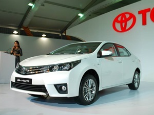 new-toyota-corolla-2014-facelift-india