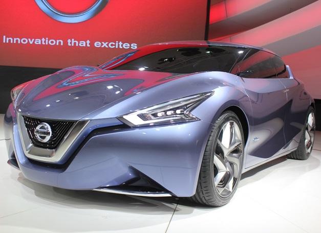 2014-Auto-Expo-Nissan-Friend-me