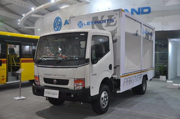 2014-auto-expo-ashok-leyland-partner