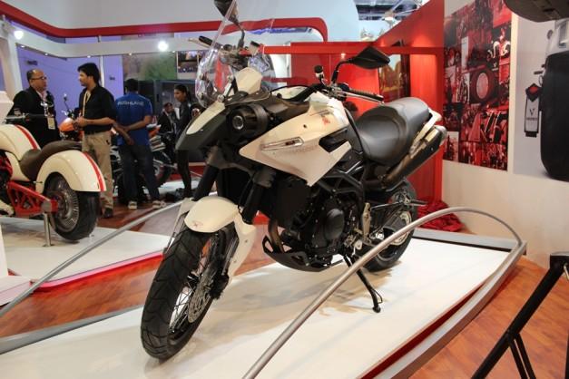 moto-morini-granpasso-2014-auto-expo
