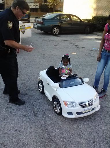 Police Pull Over A 2 Year Old Girl For Reckless Driving On