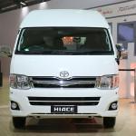 toyota-hiace-passenger-transport-van-2014-auto-expo-001