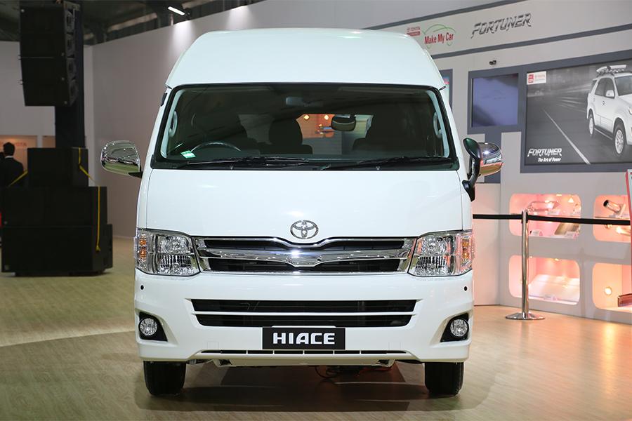 2014 Auto Expo Toyota Hiace Passenger Transport Van