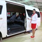 toyota-hiace-passenger-transport-van-2014-auto-expo-003