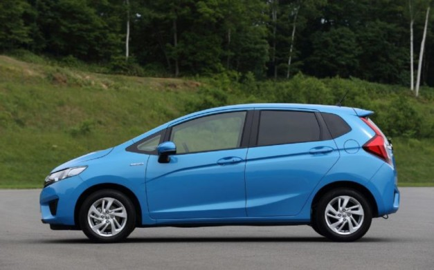 2014-Honda-Jazz-Side