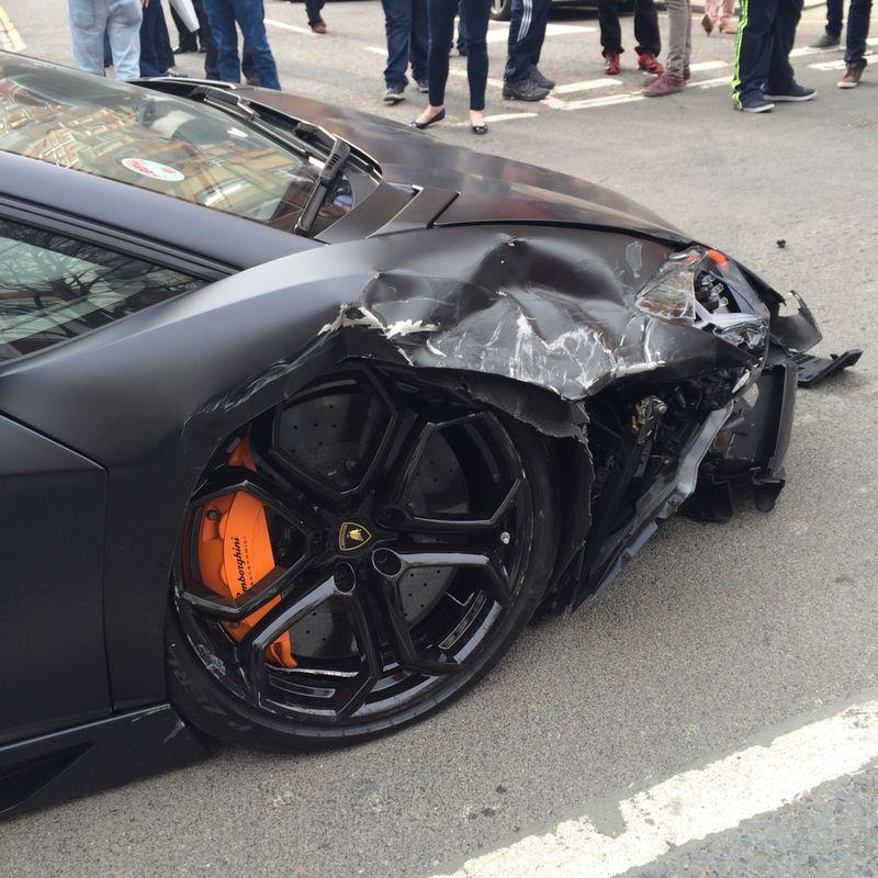 lamborghini out aventador rear spins hits and front sale for lamborghinis wrecked