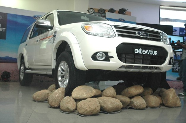 new-2014-ford-endeavour-launch
