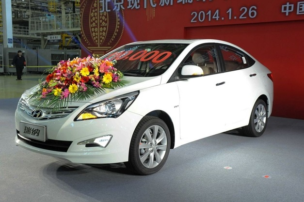 new-hyundai-verna-2015-facelift-india