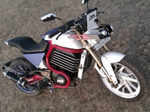 bajaj-pulsar-200-modified-zars-design