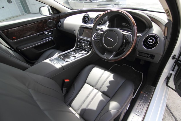 jaguar-xj-india-interior-view